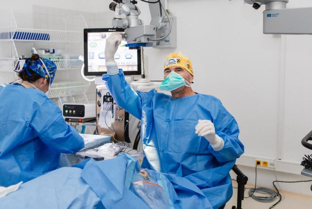 lens replacement abroad, £50 voucher for Lens Replacement abroad and Cataract surgery in Prague